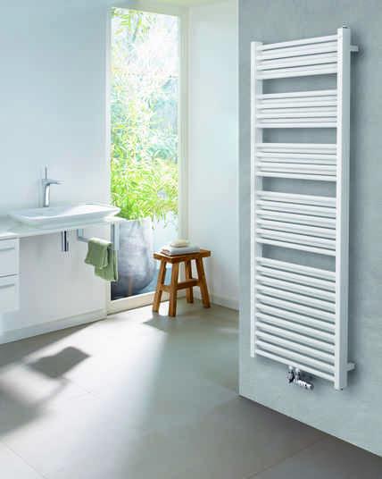 Zeitloses Design, das Klasse beweist: Zehnder Zeno in doppellagiger Ausführung vereint alle Vorteile des Basis-Heizkörpers und eignet sich zudem, dank einer noch höheren Wärmeleistung, ideal für Umgebungen, die auf eine hohe Wärmezufuhr angewiesen sind.