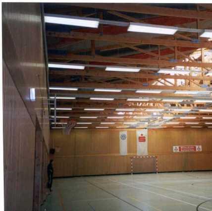 Zwei-Feld-Sporthalle