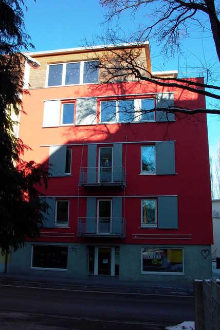 Mehrfamilienhaus nach der Renovierung