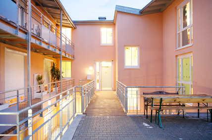Beim Neubau des dreistöckigen Seniorenheims in Gröbenzell bei München spielte die komfortable Wohnraumlüftung von Anfang an eine zentrale Rolle in den baulichen Planungen.