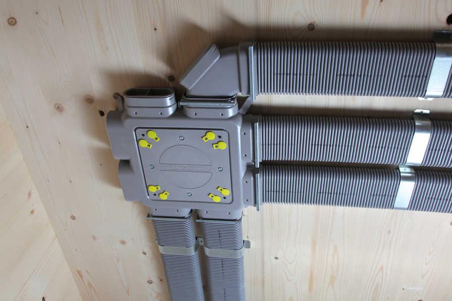 Hygienisches und flaches Stecksystem mit Zehnder Comfo Tube Flat 51