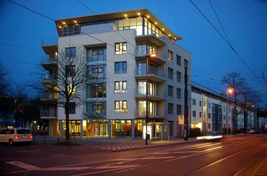 solarsiedlungen mit zentraler wohnrauml ftung zehnder. Black Bedroom Furniture Sets. Home Design Ideas